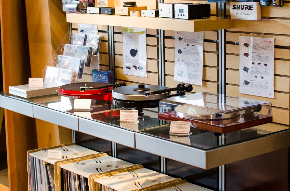 Turntables in AVWORX Showroom